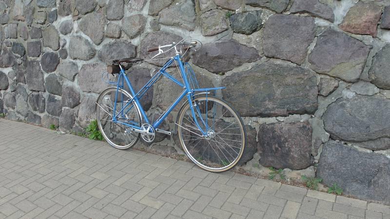 Fahrradsattel mit Seilen